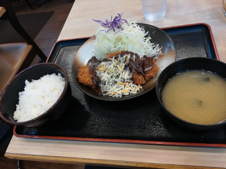 松乃屋でデミグラスソースチーズかつ定食を食べた感想